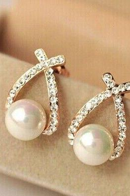 Crystal woman pearl gold colored fashion earrings
