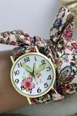 Special woman holiday gift flower watch
