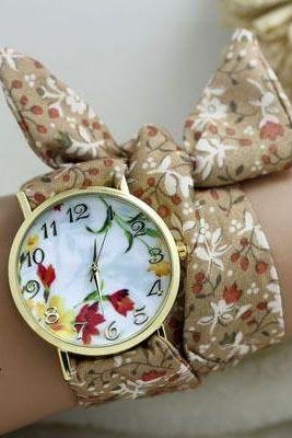 Trendy fabric strap floral teen watch