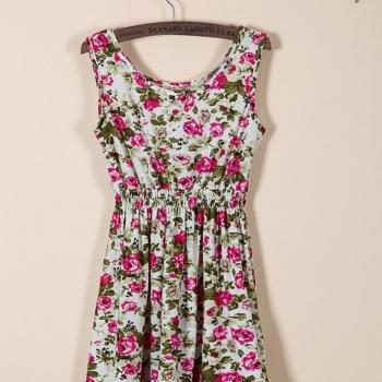 Red rose flowers girl dress