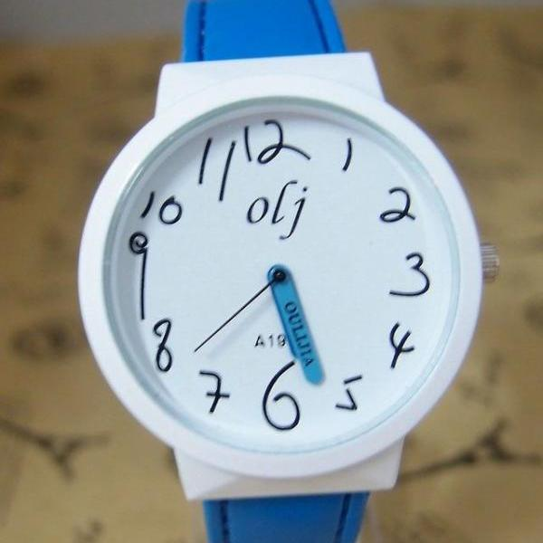 Trendy Teenage blue Leather Strap Girl Watch
